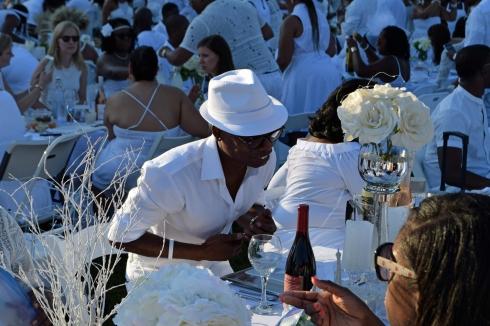 Diner en Blanc on the Memorial Shot