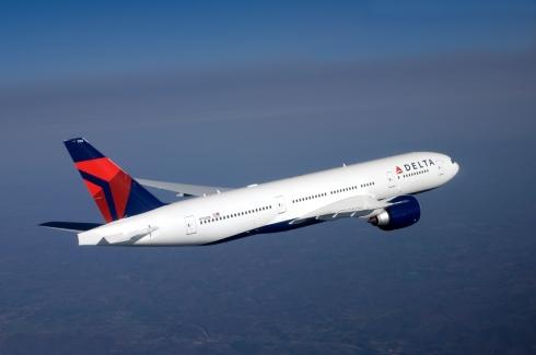 boeing-777-200lr-in-flight_0